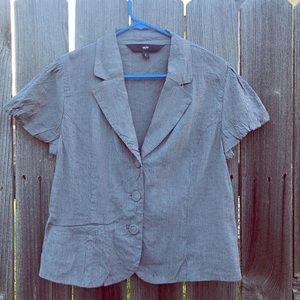 Short sleeve blazer.
